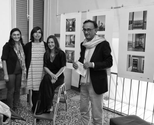 Incontro alla Sartoria Atelier Corradi: da sinistra: Elena Vincenzi, Lorena Zuniga, Francisca Pulido e Daniele Vincenzi. Foto Michele Levis